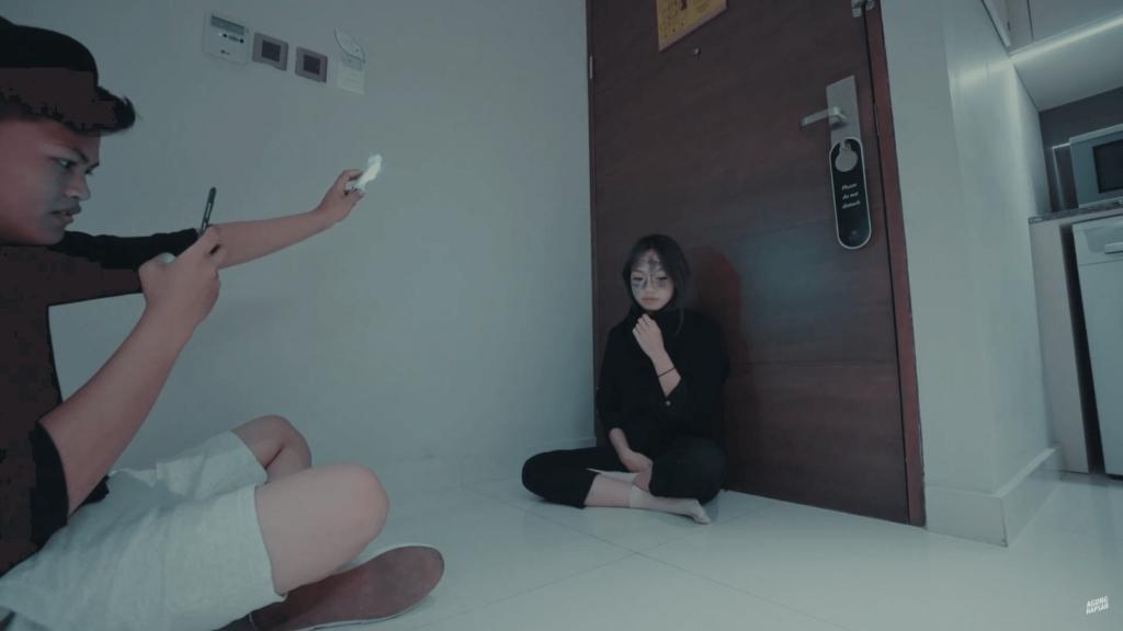 Agung Hapsah Membuat Content dengan Fathia Izzatic Hanya Pakai HP - Youtubers Indonesia