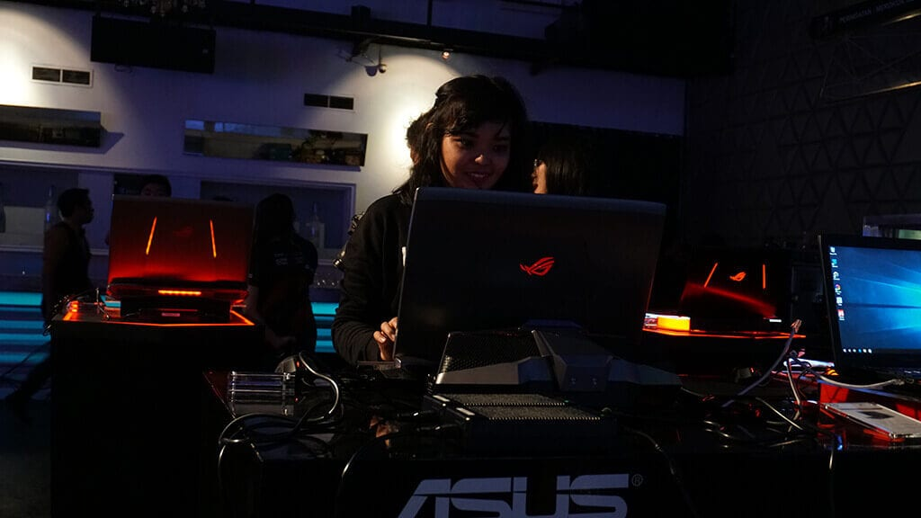 Kemeriahan Event Saat Peluncuran ASUS ROG GX800 - Nyobain Laptop Gaming