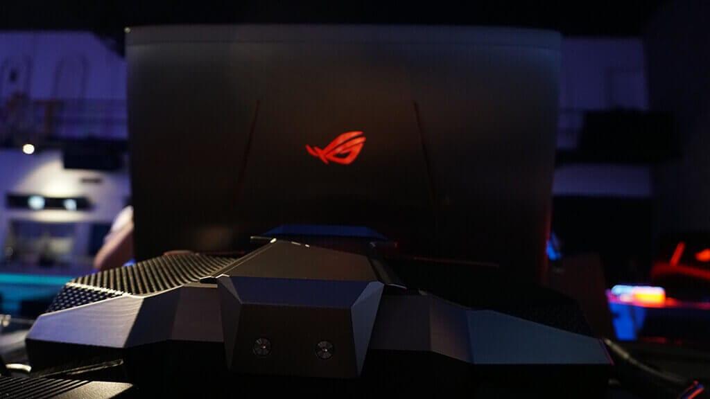 Review ASUS ROG GX800 - Tampak Belakang