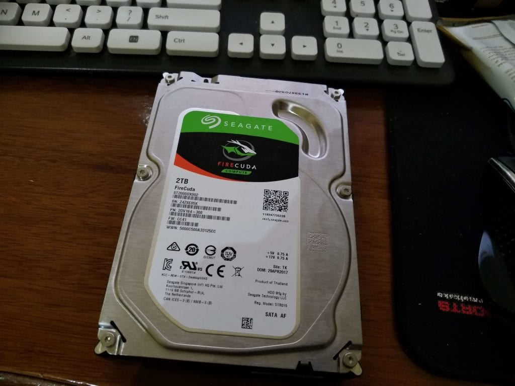 Unboxing Hard Disk Seagate FireCuda 2 TB SSHD