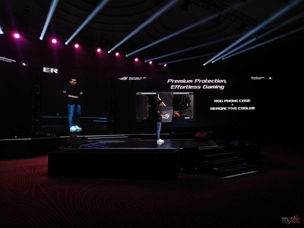 Keseruan Ikut Event Peluncuran Zenfone Max Pro M2 & Rog Phone - ROG Phone Case & AeroActive Cooler