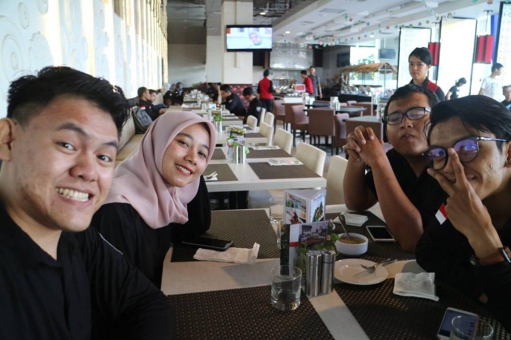 Ngobrol Bareng MPR RI & Netizen Jambi - Makan Siang