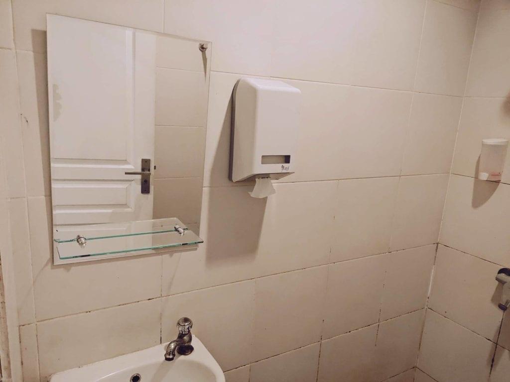RetroPoint BnB Guest House Murah Di Bandung - Kamar Mandi Dan Toilet