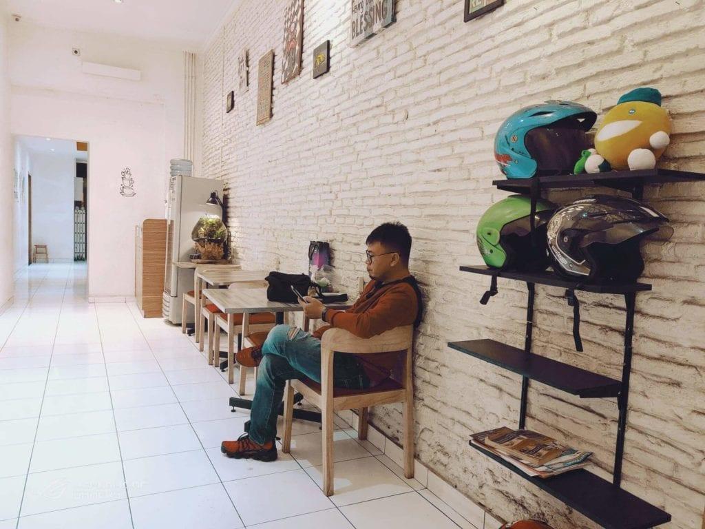 RetroPoint BnB Guest House Murah Di Bandung - Ruang Tengah atau Lobby