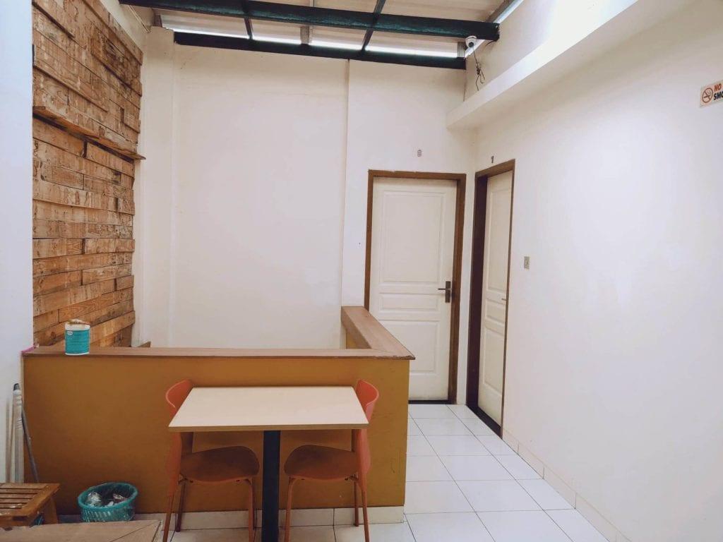 RetroPoint BnB Guest House Murah Di Bandung - Ruangan Kamar Lantai 2