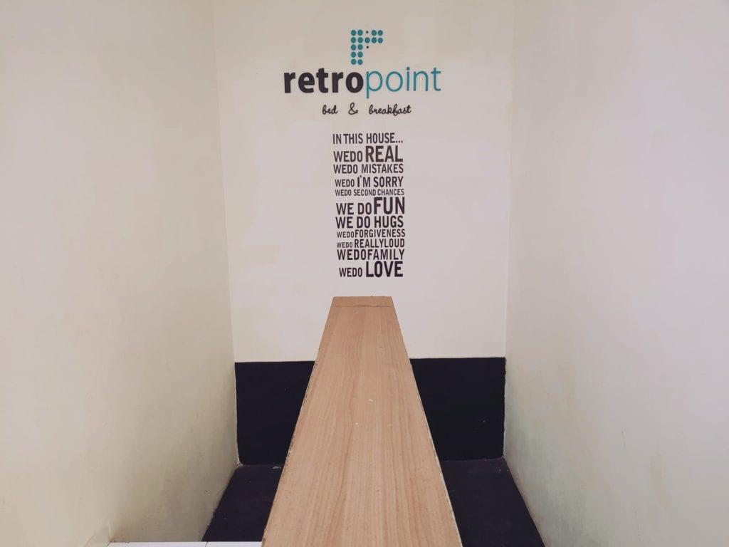 RetroPoint BnB Guest House Murah Di Bandung - Tangga Ke Lantai 2
