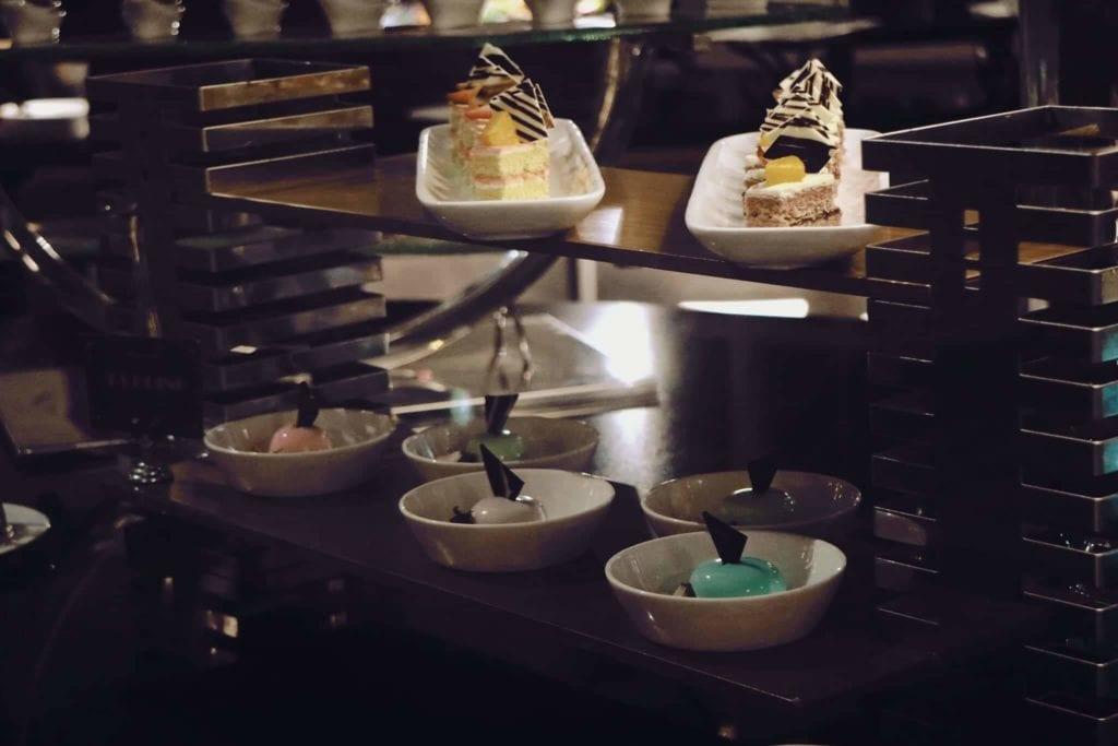 Menginap Semalam Di Hotel Heritage Savoy Homann Bandung - Dessert