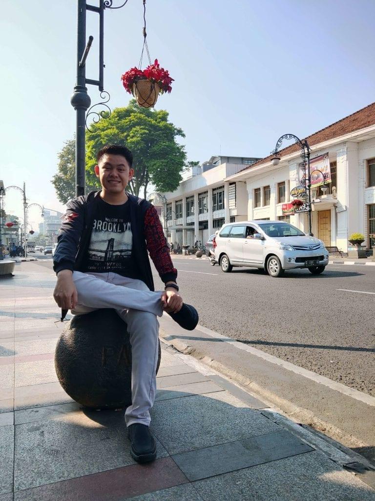 Menginap Semalam Di Hotel Heritage Savoy Homann Bandung - Foto Di Pinggir Jalan ASIA-AFRIKA