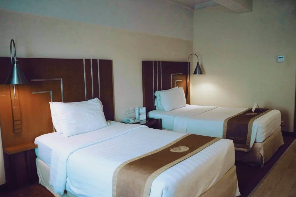 Menginap Semalam Di Hotel Heritage Savoy Homann Bandung - Kamar Standar