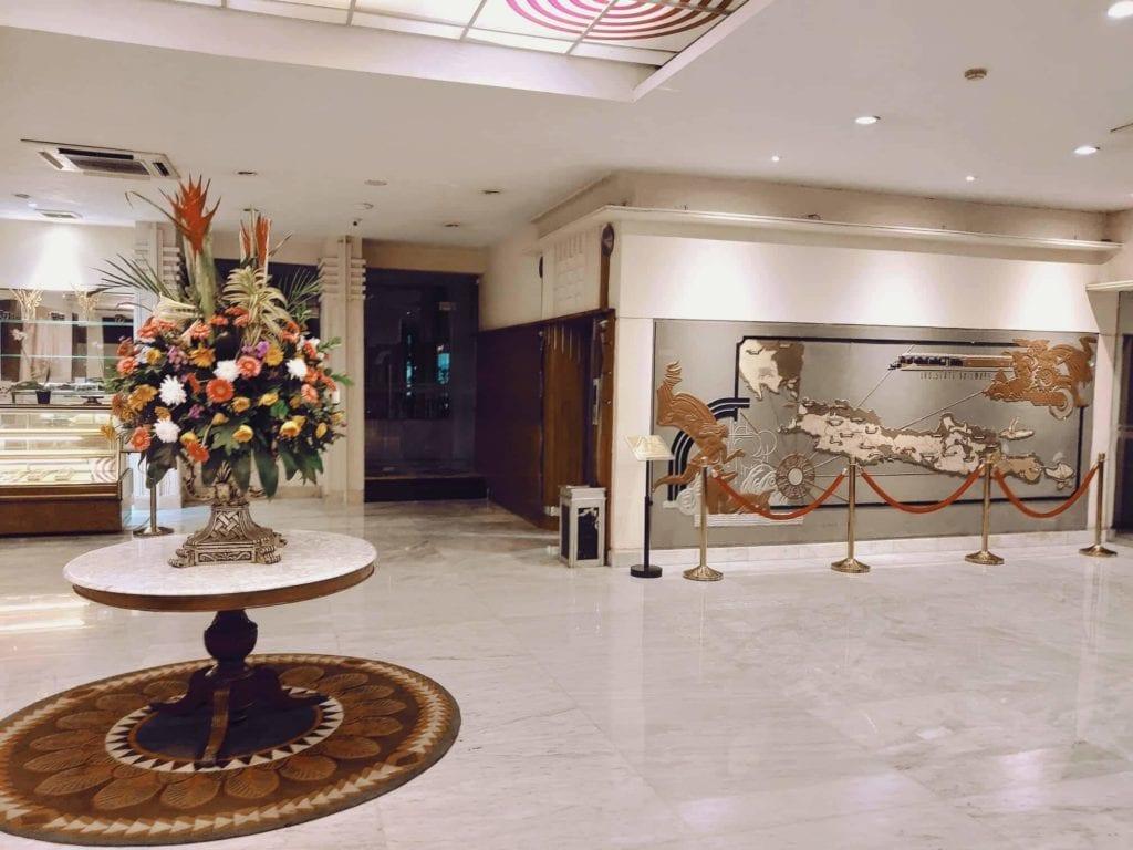Menginap Semalam Di Hotel Heritage Savoy Homann Bandung - Lobby Tampak Bagian Dalam
