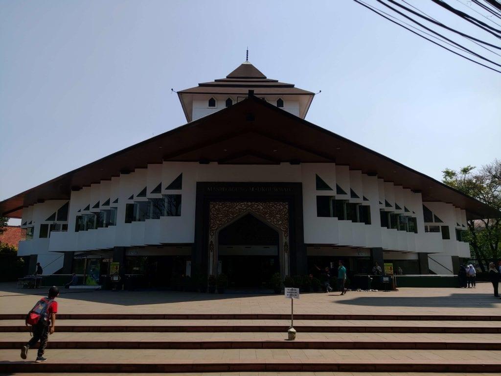 Menginap Semalam Di Hotel Heritage Savoy Homann Bandung - Masjid Agung Al-Ukhuwwah