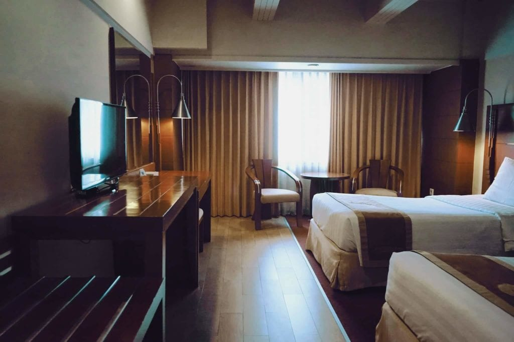 Menginap Semalam Di Hotel Heritage Savoy Homann Bandung - Ruangan Kamar