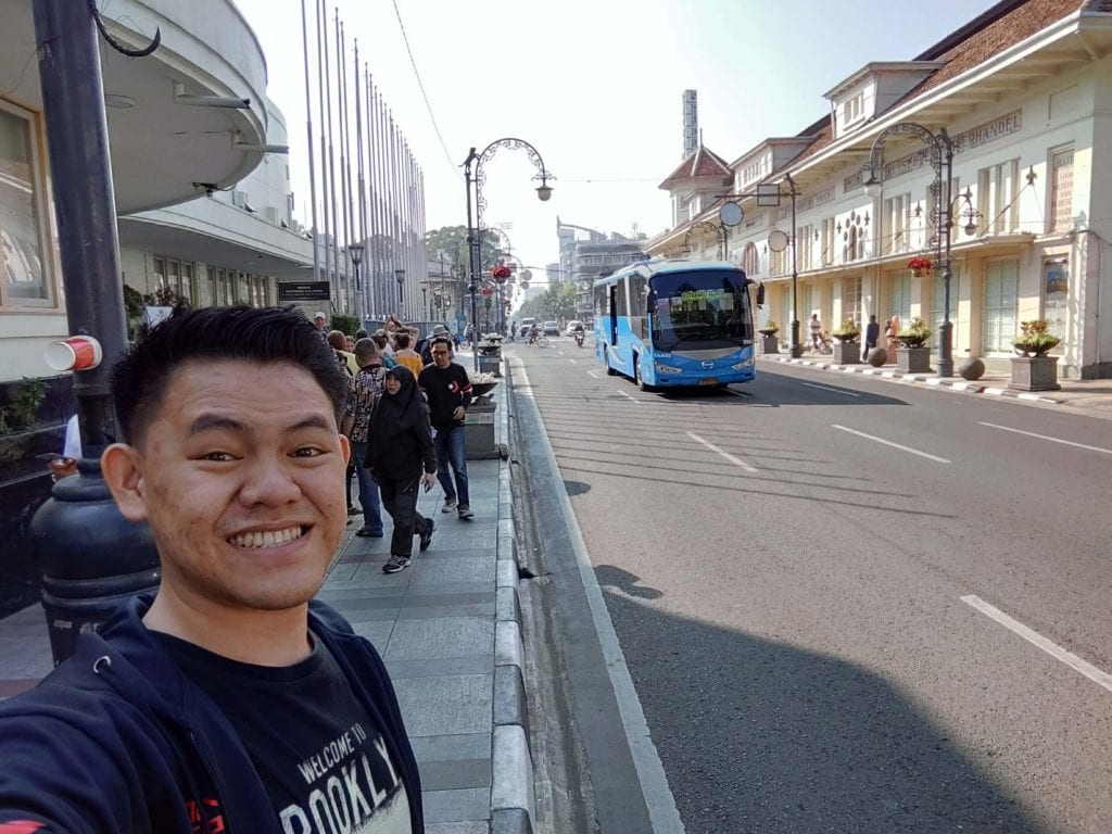 Menginap Semalam Di Hotel Heritage Savoy Homann Bandung - Selfie di Sekitar Museum KAA