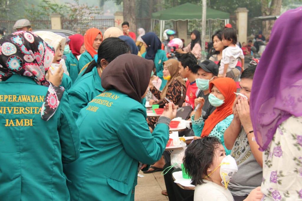 Forest Talk - Dokumentasi Kegiatan Peduli Kesehatan Masyarakat Kota Jambi Tahun 2015 - Pelatihan Cuci Hidung