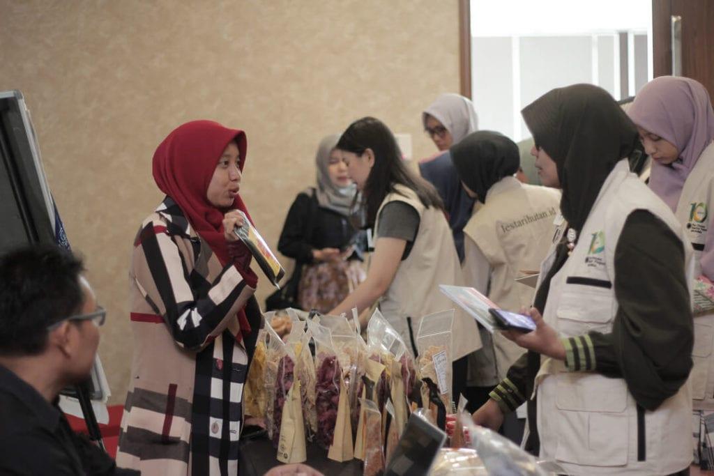 Forest Talk- Pentingnya Melestarikan Hutan - Presentasi Produk Ragel Jamur Crispy