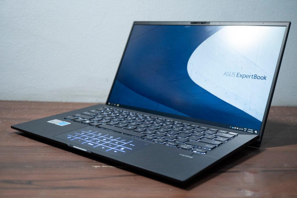 ASUS ExpertBook B9 B9450 - desain elegan