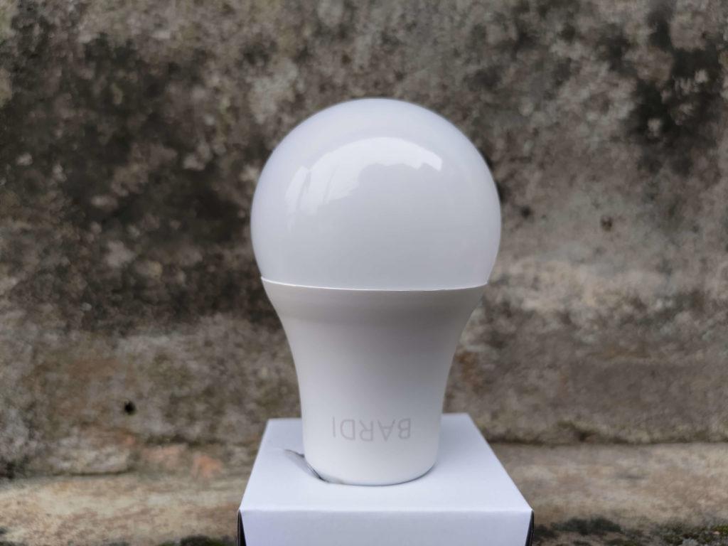 Penampakan Lampu Pintar Bardi Smart Light Bulb 9W - RGBWW