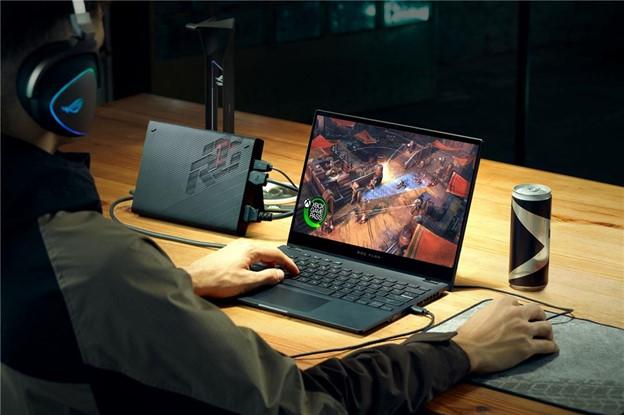 ROG Memimpin dengan Teknologi Layar Inovatif pada Laptop Gaming di Tahun 2021 - ROG STRIX SCAR 17
